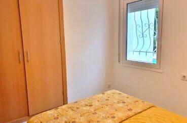 acheter a rosas: villa 140 m², seconde des 3 chambres, vue piscine et rangements intégrés