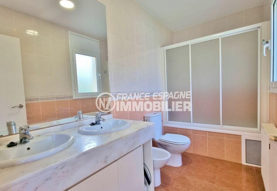 acheter villas a rosas, 200 m² 5 chambres, salle de bains de la suite parentale