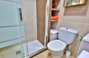 costabrava immo: appartement 40 m² avec amarre, salle d'eau avec douche et wc
