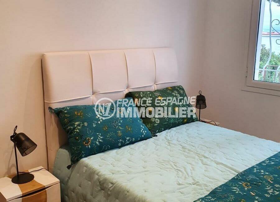 immo center rosas: villa 140 m², troisième chambre avec lit double et vue jardin