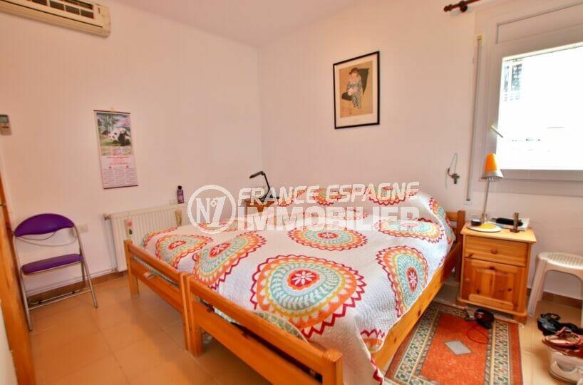 achat maison roses, 135 m² vue mer, première des 4 chambres, lit double