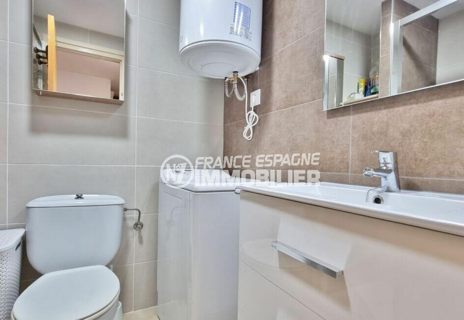 empuriabrava marina: appartement 40 m² avec amarre, salle d'eau entièrement rénovée