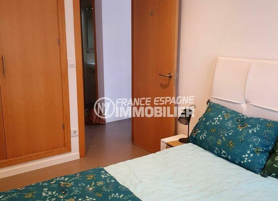 vente immobiliere rosas espagne: villa 140 m², troisième chambre avec rangements intégrés