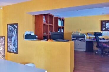 immo center rosas: villa 227 m² 3 chambres, pièce aménagée en bureau