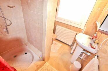 immo center rosas: villa 4 chambres 135 m², première salle d'eau avec wc