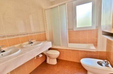 maison rosas espagne a vendre, 200 m² 5 chambres, trosième salle de bains avec wc
