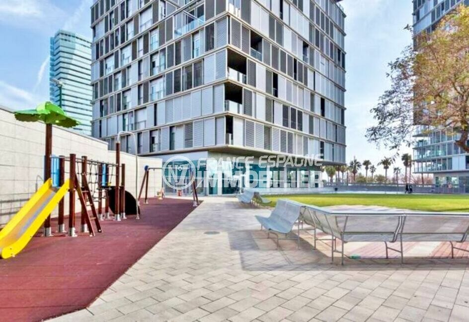 appartement espagne costa brava a vendre, 160 m² luxe, avec jardin de jeux pour enfants