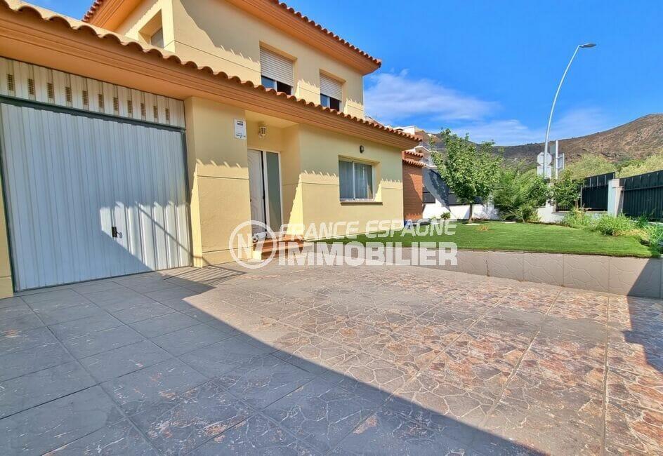 maison a vendre espagne, 200 m² 5 chambres, garage 32 m² avec cour intérieure