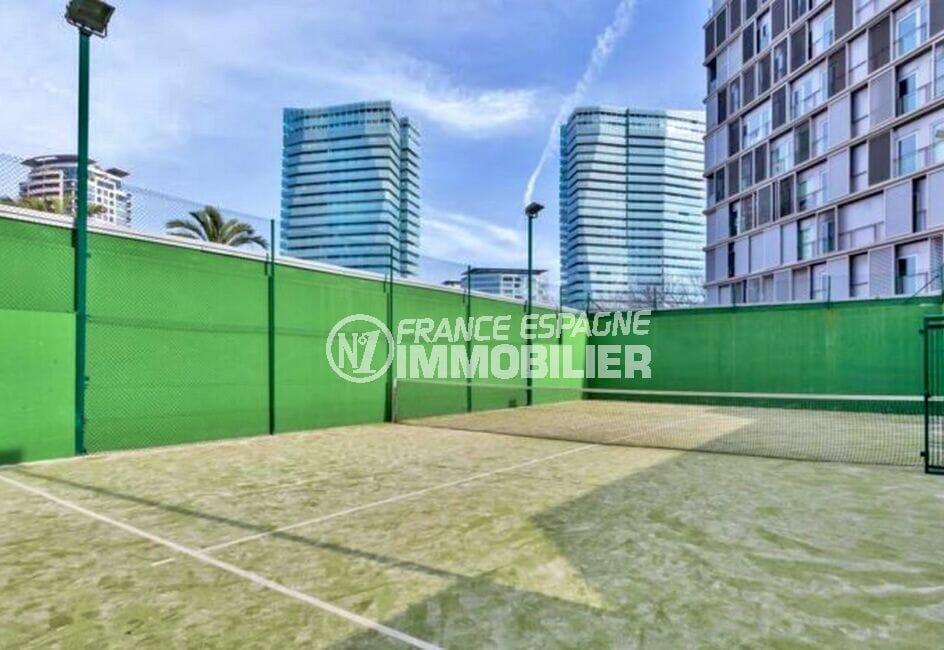 appartement espagne costa brava vente, 160 m² de luxe, court de paddle-tennis à l'extérieur