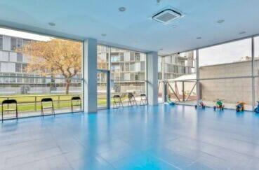 acheter malin costa brava: appartement 160 m² luxe, salle réservée aux enfants pour jouer