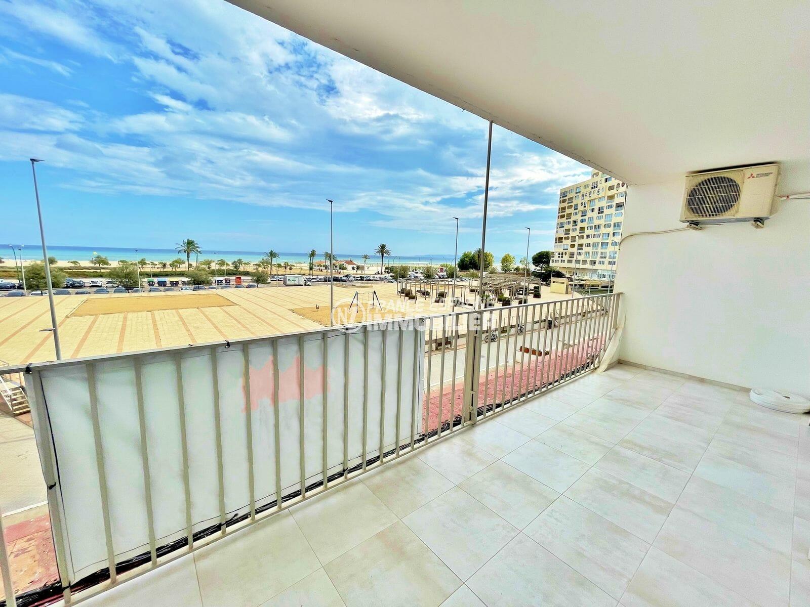 vente appartement empuriabrava, 3 pièces vue mer 69 m², belle terrasse avec exposition sud, plage et commerces à 100 m