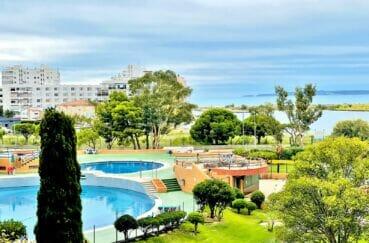vente appartement rosas, 2 pièces 59 m² dans belle résidence avec piscine, jacuzzi, tennis, local vélos et parking. proche plage