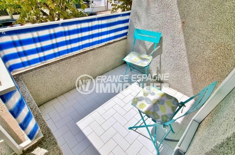 vente appartement empuriabrava, studio 37 m² bien aménagé, balcon exposition sud-ouest et parking communautaire, proche plage et commerces