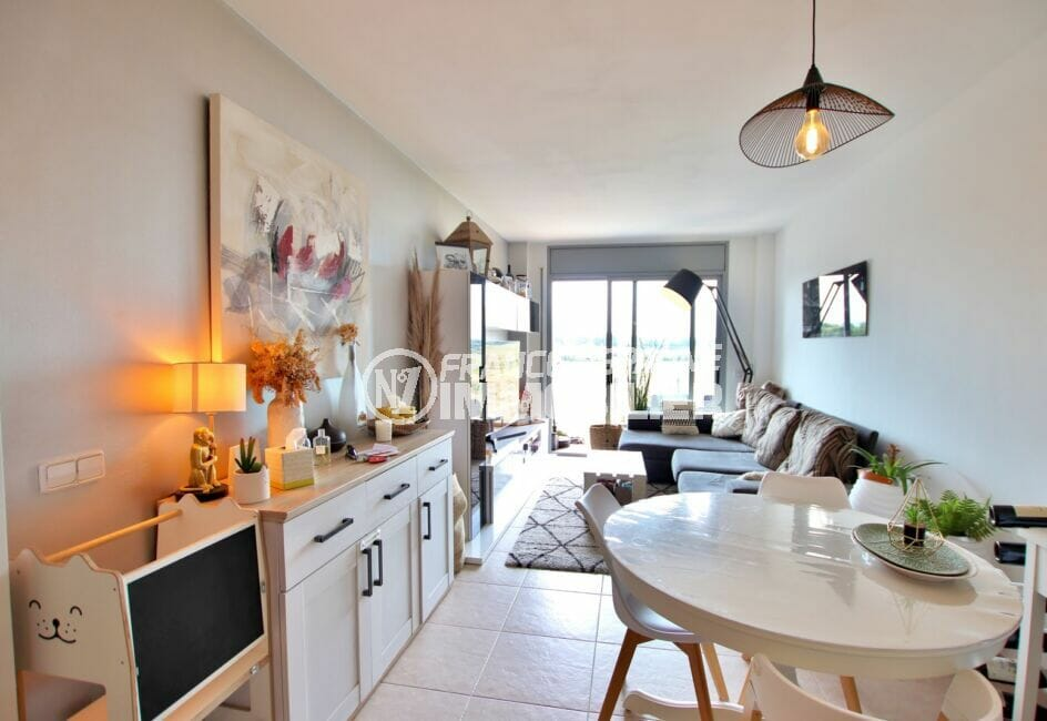appartement a vendre empuriabrava, 2 chambres 71 m², grand séjour accès terrasse