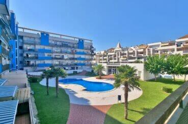 appartement espagne pas cher, 2 pièces 56 m², résidence récente avec piscine communautaire