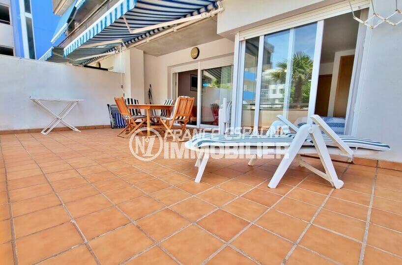 appartement a vendre rosas, 3 pièces 68 m², terrasse 34 m² avec accès direct piscine