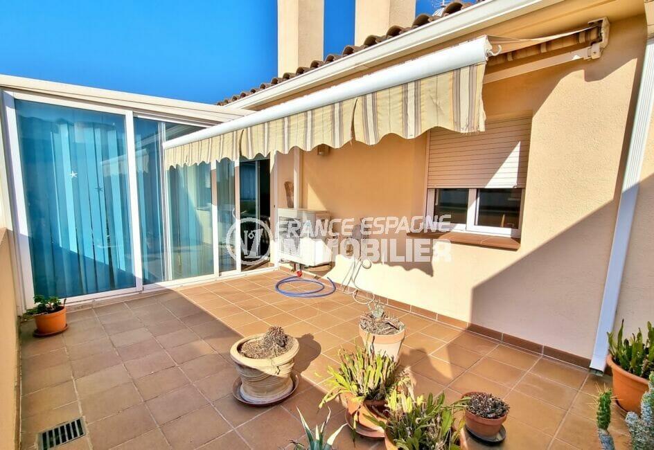 appartement a vendre a rosas, 2 chambres 70 m², belle terrasse avec auvent