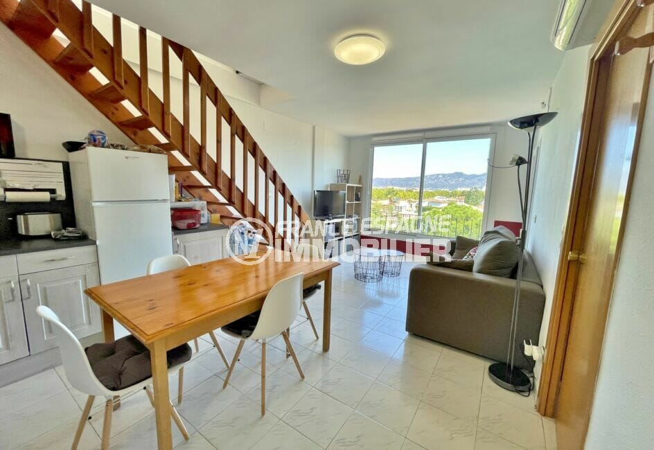 vente appartement empuriabrava, 2 pièces 42 m² atico vue mer, salon / séjour avec balcon