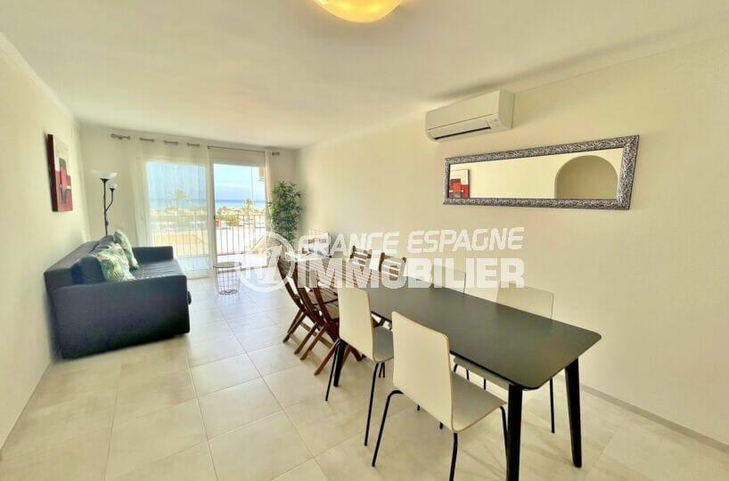 achat appartement empuriabrava, 3 pièces vue mer 69 m², salon / séjour avec climatisation