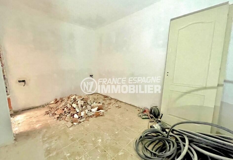 ventes immobilieres rosas espagne: immeuble à terminer + commerce, 3° appartement