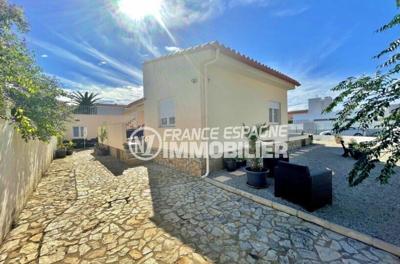 maison à vendre empuriabrava, 5 chambres 223 m², terrain 500 m², parking sur cour intérieure