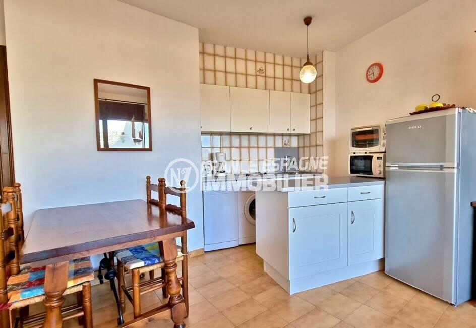 appartement à vendre à rosas espagne, 2 chambres 55 m², cuisine aménagée et équipée