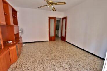 vente appartements rosas espagne, 3 pièces 67 m², séjour lumineux, double porte semi vitrée