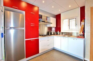 achat appartement rosas, 2 chambres 64 m², cuisine ouverte aménagée et équipée