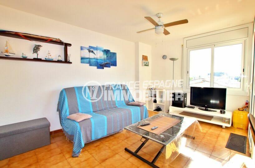 acheter appartement empuriabrava, 2 pièces 41 m², salon avec ventilateur de plafond