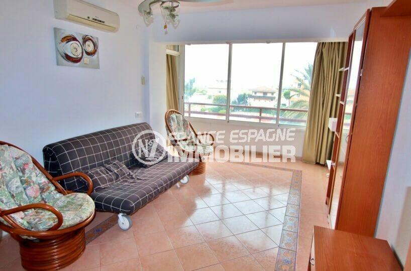 appartement a vendre a rosas, 2 pièces 62 m², salon avec climatisation, plafonnier