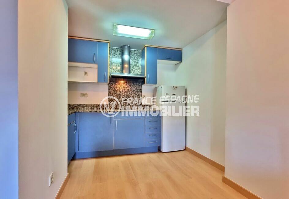 achat appartement empuriabrava pas cher, 2 pièces 56 m², cuisine ouverte aménagée et équipée