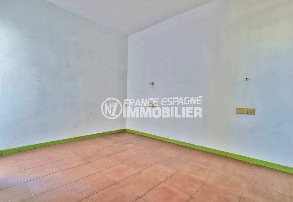 achat appartement rosas, 3 pièces 58 m², chambre à coucher avec carrelage au sol