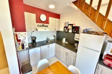 appartement à vendre à empuriabrava, 2 pièces 42 m² atico, cuisine avec plaques et hotte