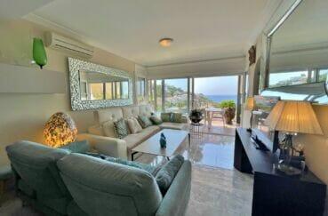 vente maison rosas espagne, 3 chambres 124 m², séjour clair donnant accès à la terrase vue mer