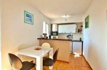 appartement à vendre à empuriabrava, 2 pièces 41 m², salle à manger avec cuisine américaine