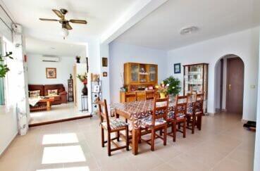 maison a vendre espagne bord de mer, 4 chambres 182 m², séjour / salle à manger