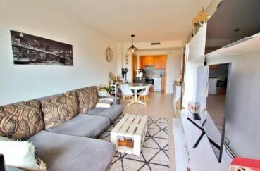 acheter appartement empuriabrava, 2 chambres 71 m², grand séjour avec espace repas et cuisine ouverte