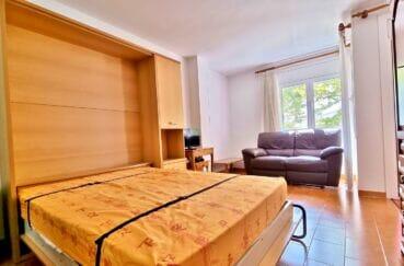appartement a vendre empuriabrava, studio 37 m², lit encamotable dans le salon et canapé