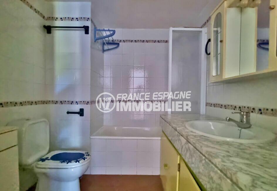 appartement a vendre a rosas, 3 pièces 58 m², salle de bain avec baignoire et wc