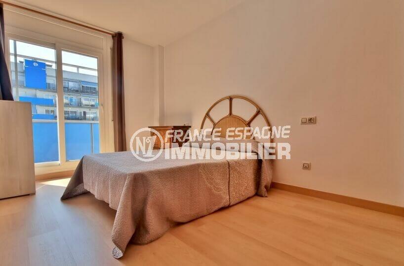 appartement a vendre rosas espagne pas cher, 2 pièces 56 m², chambre à coucher avec terrasse