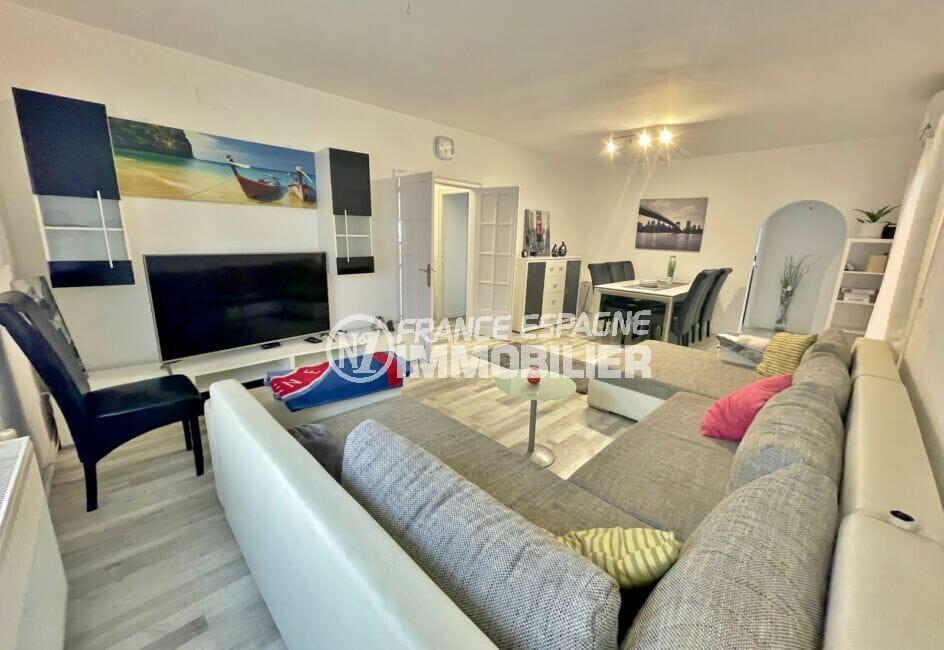 maison a vendre espagne, 5 chambres 223 m², grans salon / séjour, canapé 4 / 5 places