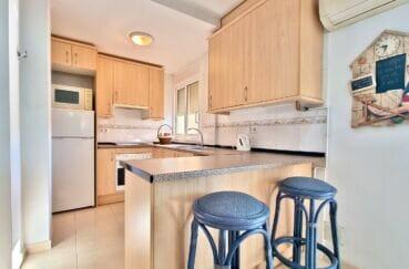 appartement à vendre rosas, 2 chambres 70 m², cuisine ouverte aménagée et équipée