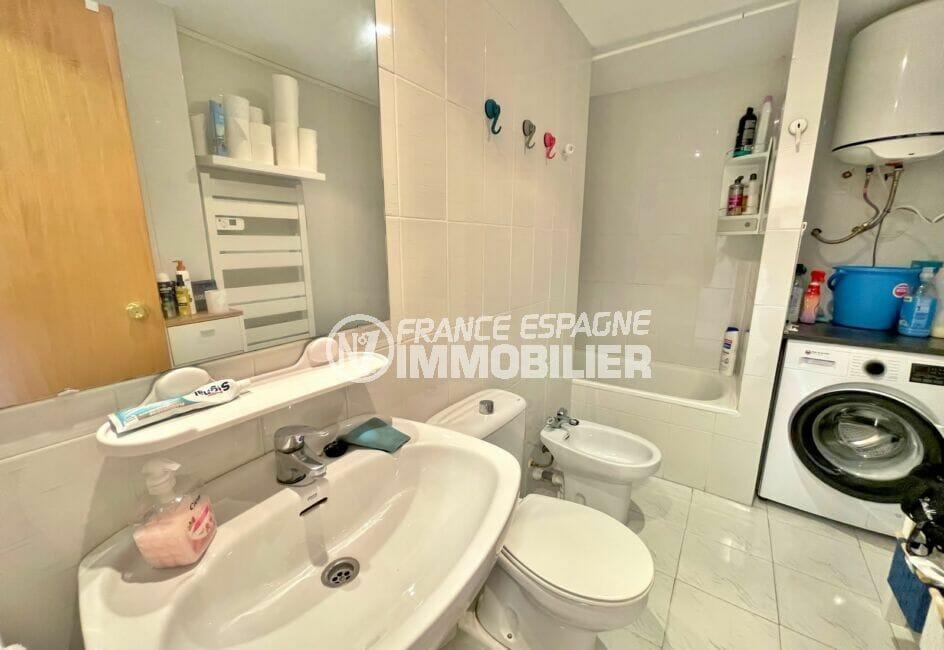vente empuriabrava: appartement 2 pièces 42 m² atico, salle de bain, baignoire, wc et lave-linge