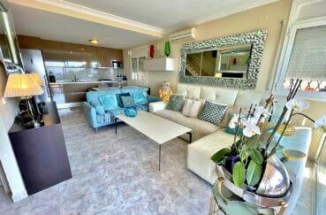 maison a vendre espagne bord de mer, 3 chambres 124 m², séjour avec espace repas et cuisine américaine