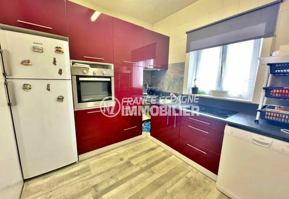 vente empuriabrava: villa 5 chambres 223 m², cuisine indépendante aménagée et équipée