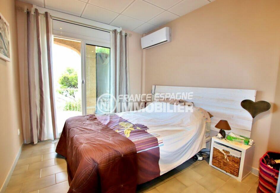 rosas immo: appartement 2 chambres 64 m², chambre avec climatisation, accès terrasse