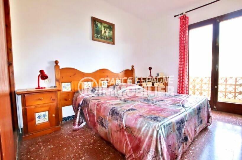appartement a vendre rosas espagne, 2 chambres 75 m², 2° chambre, lit double et terrasse