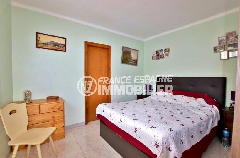 habitaclia rosas: villa 4 chambres 182 m², lit double de la suite parentale
