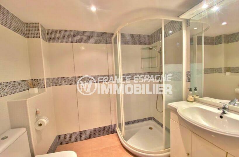 """appartement rosas à vendre, 2 pièces 62 m², salle d""""eau avec baignoire et wc"""