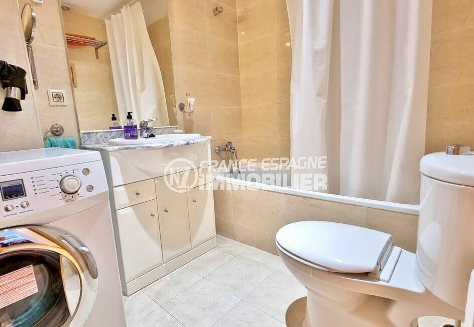appartement rosas achat, 3 pièces 68 m², salle de bain avec baignoire et wc